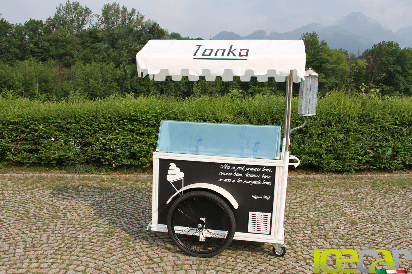 carrettino gelati foto Pasticceria Tonka